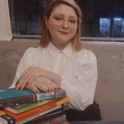 Alessandra Carvalho Araújo